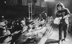 Catfish & The Bottlemen, Cool Bands, Larry, Lyrics, Feels, Van, Black And White, Music, Musica