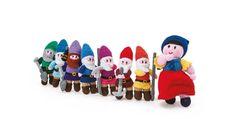 Knitting Magazine Project: Snow White & the Seven Dwarfs - Knitting Magazine