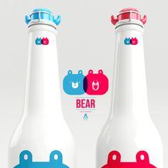 Hoy miércoles 23 de ocubre, en la sección #YoAmoDiseño  Cuando una cerveza se combina con un oso este es el resultado: Beear  No sabemos si esta cerveza exista o al menos haya planes para que se embotelle pronto, pero la idea de Aaron Martínez (México) nos encanta.  Beear es una cerveza que adopta su personalidad a partir de la de un oso. ¿Les gusta?  Vía http://gutenver.tv/2013/09/09/diseno-grafico-cuando-una-cerveza-se-combina-con-un-oso-este-es-el-resultado-beear