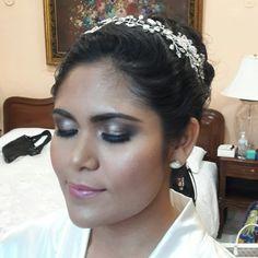 Bride by Mariana Millet / makeup / Hair / bridal updo