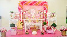 http://inspiresuafesta.com/1-ano-da-luiza-decoracao-princesa-realeza/