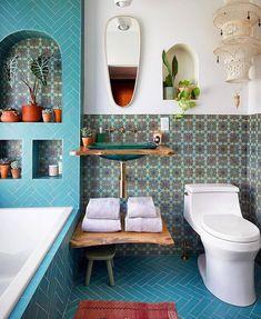 15 Bohemian Bathroom Decor Ideas & Trends Bathroom Renos, Small Bathroom, Kohler Bathroom, Dream Home Design, House Design, Bohemian Bathroom, Creation Deco, My New Room, Bathroom Interior Design