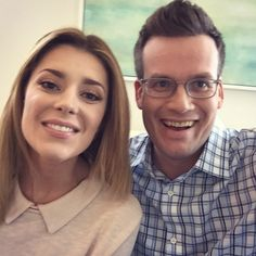 Grace Helbig and John Green THIS IS THE BEST PICTURE EVER
