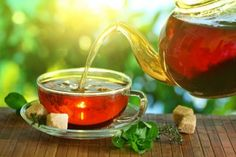 Looking for refreshing and delicious homemade iced tea recipes? We have the best-tasting iced teas just in time for summer, from Thai iced tea to sweet tea! Homemade Iced Tea, Iced Tea Recipes, Green Tea Benefits, Types Of Tea, Best Tea, Kraut, Drinking Tea, Home Remedies, Health Benefits