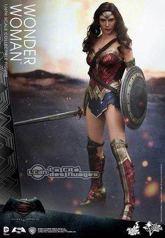 Hot Toys MMS359 Batman v Superman L'Aube de la Justice Wonder Woman Gal Gabot 1/6 Collectible