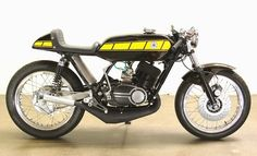 Yamaha 2T #motorcycles #caferacer #motos | caferacerpasion.com
