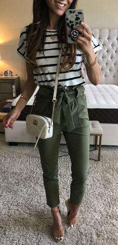 Girls Fall Outfits, Summer Outfits, Casual Chic Outfits, Fashion Outfits, Olive Pants Outfit, Color Blocking Outfits, Friday Outfit, Stylish Girl Images, Spring Fashion Trends