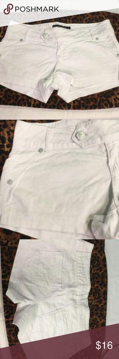 """Blue Spice size 3 white shorts 30"""" waist...2"""" inseam...97% cotton..3% spandex Blue spice Shorts Skorts"""