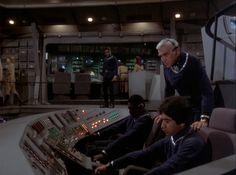 classic sci-fi Sci Fi Tv Shows, Movies And Tv Shows, Kampfstern Galactica, Battlestar Galactica 1978, Starship Concept, Classic Sci Fi, Retro Futurism, Star Trek, Science Fiction