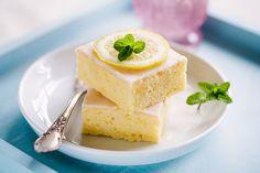 These Stupendous Lemon Brownies Will Blow Your Hair Back! Oreo Desserts, Dessert Oreo, Lemon Desserts, Fall Desserts, Healthy Dessert Recipes, Lemon Brownies, Chewy Brownies, Recipe Roost, Tumblr Food