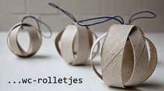 Ideas para ahorrar y reutilizar los tubos del papel higiénico, en esta ocasión transformándolos en bonitos adornos navideños: ...