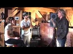 ▶ Piece of My Heart - Company of Thieves (Live from Daryl's House) - YouTube