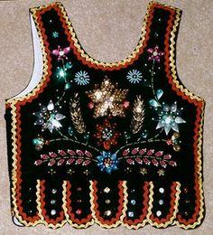 Stroje Krakowskie | Gorset krakowski sukiennicki Polish Embroidery, Folk Embroidery, Embroidery Dress, Embroidery Patterns, Polish Folk Art, Fashion Vocabulary, Folk Costume, Traditional Outfits, Art Dolls