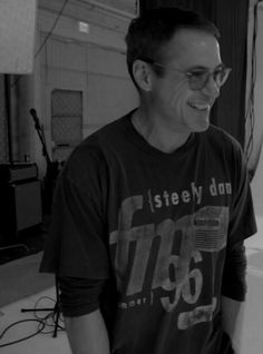 RDJ smiling is the purest thing in the world Robert Downey Jr Young, Robert Downey Jnr, Marvel Tony Stark, Iron Man Tony Stark, Iron Man Movie, Anthony Edwards, I Robert, Man Thing Marvel, Downey Junior