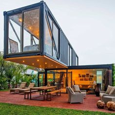 Container Habitable, Shipping Container Home Designs, Shipping Containers, Shipping Container Restaurant, Shipping Container Buildings, Shipping Container Interior, Shipping Container Office, Shipping Container Workshop, Building A Container Home