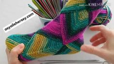 Fingerless Gloves, Arm Warmers, Fitness Inspiration, Embroidery, Tricot, Fingerless Mitts, Needlepoint, Fingerless Mittens, Crewel Embroidery