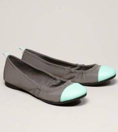 Womens Flats: Ballets, Clogs & More | American Eagle Outfitters