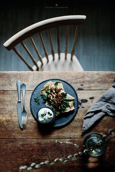 Roti with spinach, green beans, mushrooms and burrata / Marta Greber