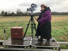 Agnès Varda, photographer, installation artist and pioneer of the Nouvelle Vague, is an institution of French cinema. Berlin Film Festival, Cannes Film Festival, Goodbye To Language, Agnes Varda, Top Film, Jean Luc Godard, Artistic Installation, Old Tv, Museum Of Modern Art