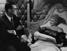"""William Holden & Judy Holiday (wearing negligee designed by Jean Louis) in the movie """"Born Yesterday"""" 1950 Old Hollywood Movies, Classic Hollywood, Hollywood Actresses, Best Love Stories, Love Story, Judy Holliday, Best Picture Winners, Broadway Stage, Cinema"""