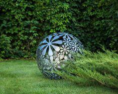 Hand welded metal garden sculpture Flower Ball a unique artistic decor in your creative garden // 28 inches diameter // 16 ga metal Yard Sculptures, Sculpture Art, Garden Sculpture, Outdoor Sculpture, Metal Sculptures, Garden Art, Garden Design, Name Decorations, Dubai Garden