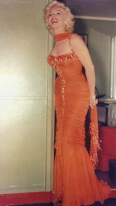 Estilo Marilyn Monroe, Marilyn Monroe Photos, Marilyn Monroe Outfits, Marylin Monroe Style, Estilo Hollywood Regency, Old Hollywood Glamour, Gentlemen Prefer Blondes, Runway Fashion, Fashion Outfits