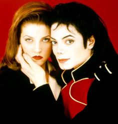 Lisa Marie Presley and Michael Jackson are perfect together.I love you Elvis and Michael.S may the kings rest in peace Lisa Marie Presley, Elvis Presley, Celebrity Couples, Celebrity Weddings, Celebrity Photos, Hbo Documentaries, Jackson Family, The Jacksons, Boyfriends