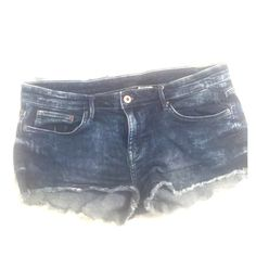 *H&M*DENIM CUT OFF SHORTS H&M DENIM CUT OFF SHORTS *with stretch**SIZE 10 H&M Shorts Jean Shorts