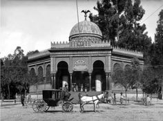 Kiosco Morisco del Parque de  Santa María la Ribera, en la Ciudad de México.  Foto tomada a principios del siglo XX.