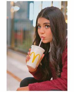 Girl Photo Poses, Girl Photography Poses, Girl Photos, Cute Girl Pic, Cute Girls, Cool Girl, Esra Bilgic, Besties Quotes, Sajal Ali
