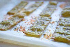 Dieses würzige Rezept lässt sich einfach zubereiten und ergibt köstliche Lasagne-Chips.