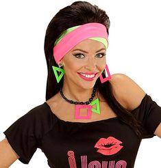 Woman wearing neon jewellery - geometric earrings and necklace. 80s Jewelry, Beaded Jewelry, Earring Trends, Jewelry Trends, 80s Earrings, 80s Fashion, Fashion Trends, Geometric Jewelry, Jewelry Photography
