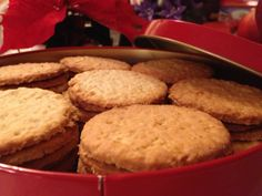 Mormors Havrekjeks – Kvardagskost Norwegian Food, Coleslaw, Scones, Biscotti, Cornbread, Muffin, Food And Drink, Xmas, Christmas