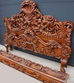 Wood Carving Faces, Wood Carving Designs, Wood Carving Patterns, Wood Carving Art, Wood Patterns, Victorian Furniture, Wooden Furniture, Furniture Design, Carved Beds