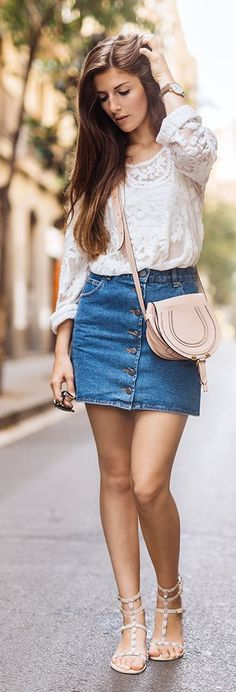 Simple Et Chic Lace And Denim Outfit