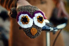 Owl Bike Hand Warmers Gloves Wool Crochet Autumn Fall Winter Cold Days Unisex Woman Man Teens Cozy Dark Beige Brown Big Eyes