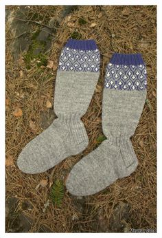 MEGETAR: Kirjoneulesukat Wool Socks, Knitting Socks, Mittens, Knit Crochet, Crocheting, Fashion, Crochet Hooks, Moda, Ganchillo