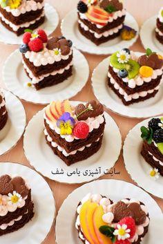 Mini Cakes, Cupcake Cakes, Mini Patisserie, Kreative Desserts, Cake Recipes, Dessert Recipes, Chocolate Ganache Filling, Heart Cakes, Heart Shaped Cakes