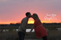 Maternity photo, sunsets, outdoor maternity photography