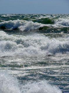Lake Michigan Strong Wave Photo  | ... , what is ur favorite great lake?? (SRS THREAD) (PICS) (GTFIH) (POLL