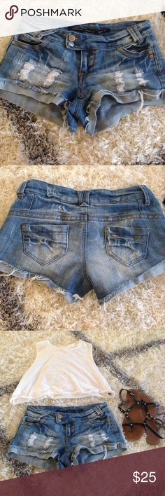 WOMANS STRESSED JEAN BOOTY SHORTS🌞 Love love love these stressed shorts. So sad to give these up :( these are my favorite but no longer fit. 5 pockets, still great condition. 80% cotton. And they make your butt look good 😊Not Brandy Melville only used for views. Brands Highway jeans! Brandy Melville Shorts Jean Shorts