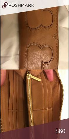 Authentic Tory butch wallet Good Used condition but still great wallet Tory Burch Bags Wallets