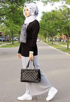 gray maxi skirt hijab look, Fall stylish hijab street looks http://www.justtrendygirls.com/fall-stylish-hijab-street-looks/