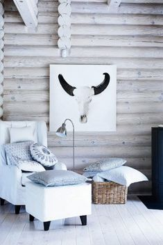 for sunroom - would like to white wash log wall. ignore the ugly wall art. House Of Philia, Scandinavian Style, Scandinavian Interior, Modern Log Cabins, Log Wall, Cute Dorm Rooms, Cabin Interiors, Home Interior, Chalet Interior