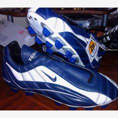 school football boots