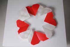 簡単折り紙   ハート形リース