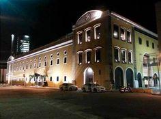 Brasil. PE. Recife. Shopping Paço Alfândega. Set2014-noite. Foto: Kassia Medeiros.