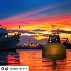 Vakkert. #reiseliv #reisetips #reiseblogger #reiseråd  #Repost @mortenmphoto (@get_repost)  Maritime sunset  . Vågen in Stavanger  mid June 2017. Petrojarl Varg Floating Production Storage and Offloading (FPSO) vessel in the background  ready for new opportunities  should you have an oilfield and need the perfect vessel to help you get your oil and gas safely up from the ground  . . #teekayspirit #stavanger #bestofnorway #bns_norway #essence_of_norway
