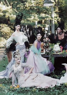 A Feast For The Eyes 1996 Ph: Steven Meisel Models: Naomi Campbell; Linda Evangelista; Trish Goff; Carolyn Murphy; Elsa Benitez; Amy Wesson; Guinevere van Seenus; Kylie Bax; Michelle Behennah