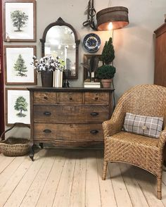 "52 Likes, 6 Comments - Bluegrass Market (@bluegrassmarket) on Instagram: ""#vintage #antique #antiques #louisville #kentucky #bluegrassmarket #middletownpeddlers #shoplocalky"""